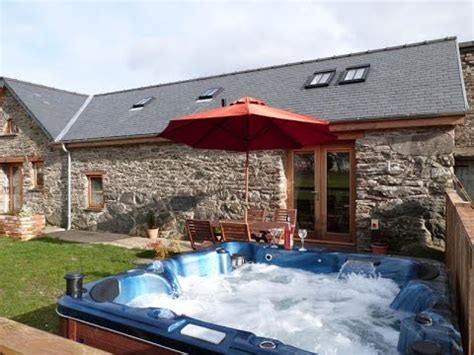 Self Catering Cottages With Tub by Bala Self Catering Cottage With Tub Facilities