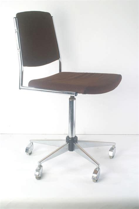stuhl 70er design b 252 rostuhl vintage 60er 70er ddr design stuhl chrom