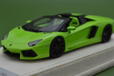 1 64 Lamborghini Aventador Lp 700 4 Green Die Cast Model Car aventador lp700 4 roadster lamborghini collection
