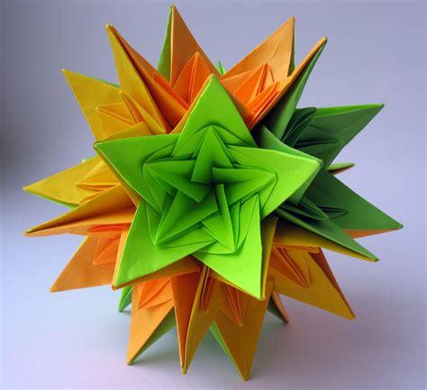 Origami Kusadama - kusudama nordblumen by irina krivyakina