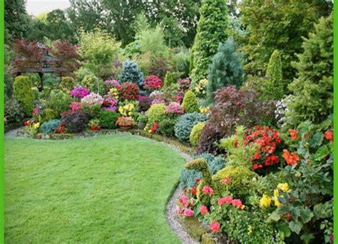 backyard bushes colorful shade garden plants landscaping gardening ideas