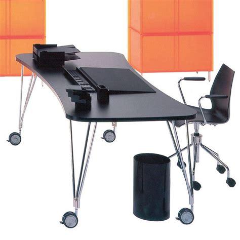 scrivania con ruote max tavolo scrivania kartell di design in acciaio e