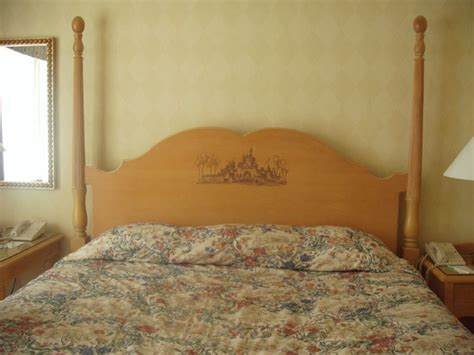 bed file file disney bed jpg wikimedia commons