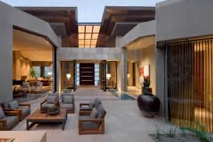 This elegant contemporary home located in paradise valley arizona is