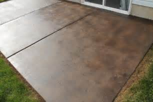 How To Clean Stained Concrete Patio by How To Stain A Concrete Patio Chris Loves Julia