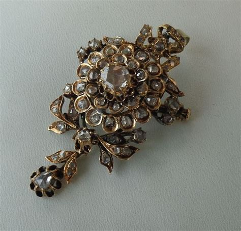 Set Gold 62 antique gold pendant brooch set with 62 diamonds catawiki