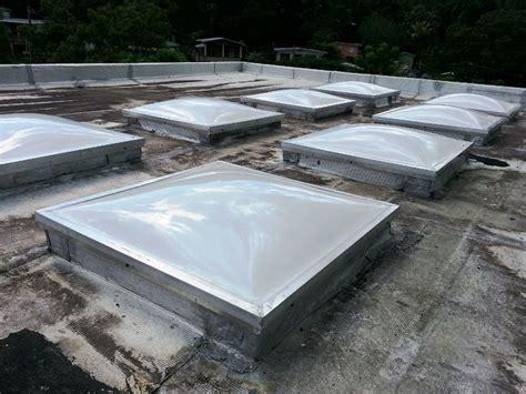 serie de domos acrilico blanco traslucido 1 4 quot sobre patio - Patio Interior En Aleman