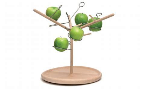 Hoe Voorkom Je Fruitvliegjes by Hang Je Fruit Aan Een Designboom Culy Nl