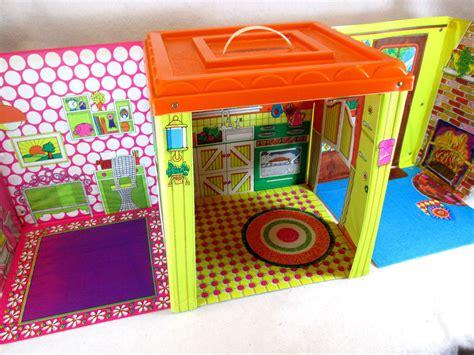 Vintage 1973 Mattel Barbie Country Living Home Fold Up