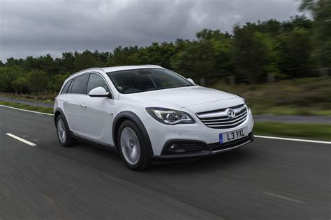 Opel Insignia Review by Vauxhall Insignia Review 2013