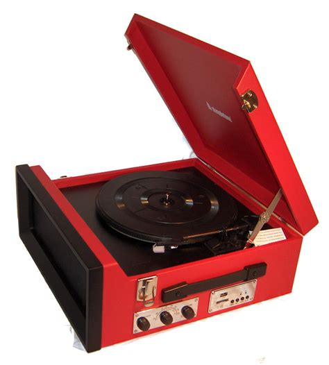 Steepletone SRP1R 11 70 s Style Record Player with Radio   RED