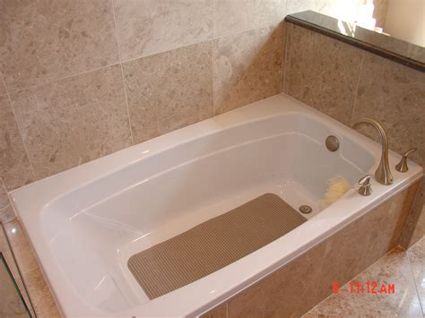 Bathtub Refinishing St Louis by Bath Remodeling Bathtub Reglazing Bathtub Liners St