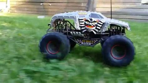 monster jam rc truck monster jam max d 1 10 rc monster truck youtube