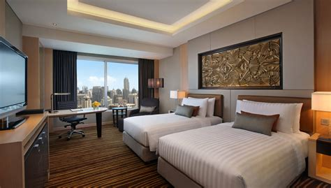 room to executive room amari watergate bangkok