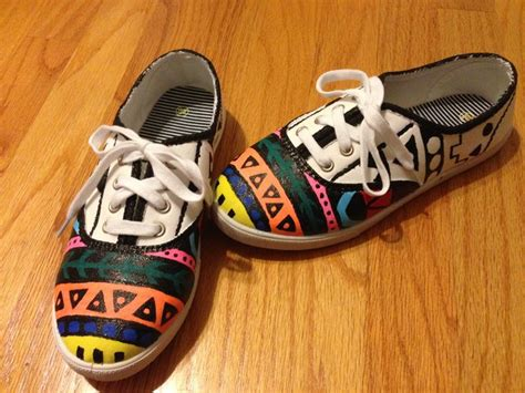 tribal print painted white canvas shoes diy done
