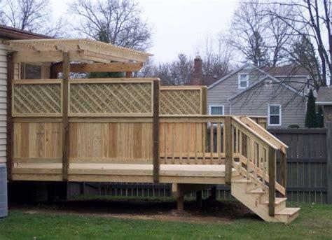 backyard screening options best 25 privacy deck ideas on pinterest deck patio