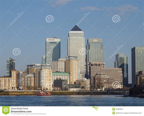 thames river cruise canary wharf canary wharf and river thames london editorial stock