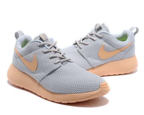 nike roshe run womenmens shoes sale 50 off factory price nike roshe run yeezy womens grey light pink