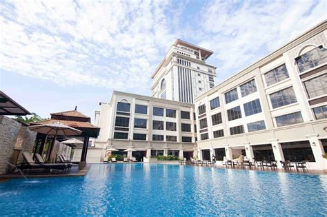 hotel perdana   landmark  kota bharu malaysian foodie