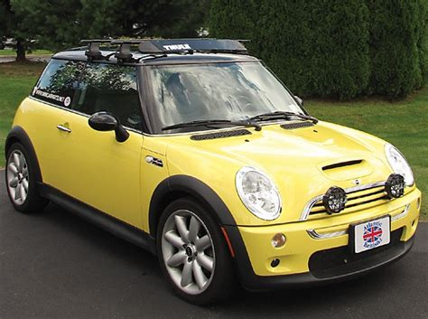 Roof Rack For Mini Cooper S by Thule Traverse Complete Roof Rack Kit For Mini Cooper