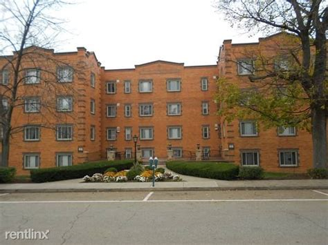university of pittsburgh housing hot list