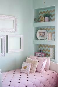 gold pink and very chic little girls bedroom design 187 b