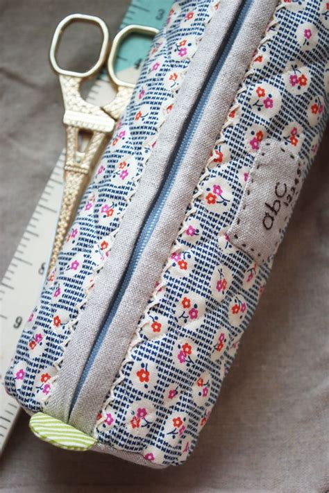 pattern for fabric pencil case 17 best images about pencil case tutorials on pinterest