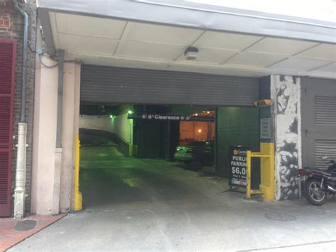 Garage New Orleans by Dh Garage Parking In New Orleans Parkme