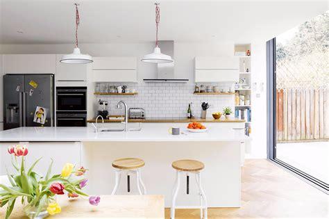 75 desain interior ruang keluarga menyatu dengan dapur terbaru ingin ruang keluarga menyatu dengan ruang makan minimalis