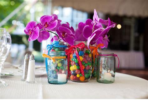 Rok Balon 201 decora los jarrones con cintas para tus centros de mesa