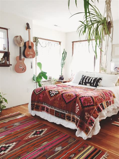 how to decorate a bohemian bedroom these bohemian bedrooms will make you want to redecorate