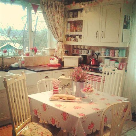 cozy kitchen ideas best 25 cottage style kitchens ideas only on