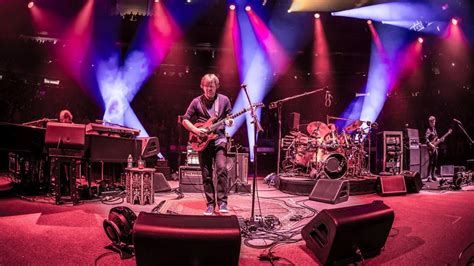 phish opens msg new year s run in nyc setlist the