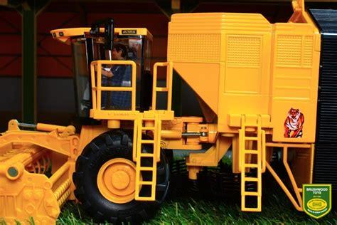Siku Sugarbeet Harvester brushwood toys 4060 siku rubenroder sugarbeet harvester