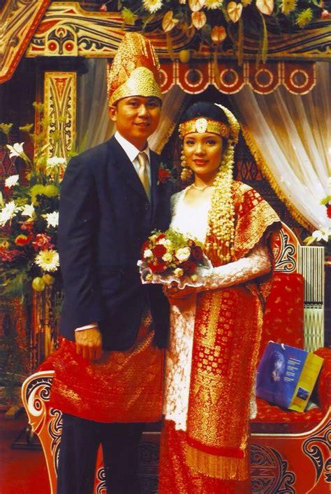 Baju Adat Perkawinan Batak pengantin adat batak tari wedding organizer