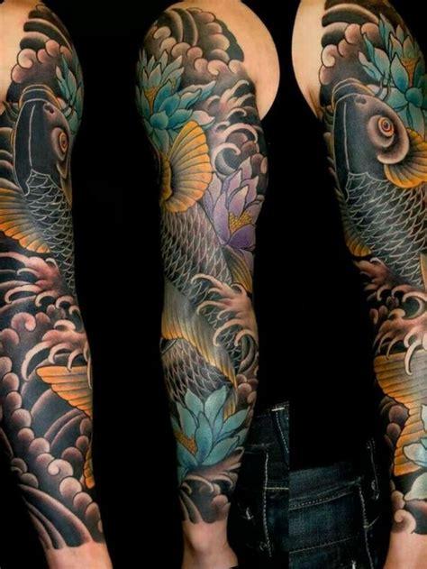 tattoo koi blumen die besten 17 ideen zu fisch tattoos auf pinterest