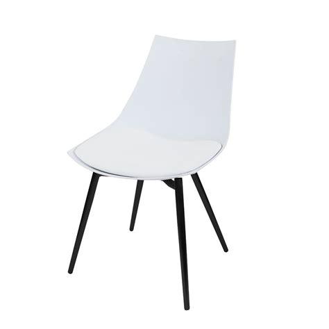 stoelen wit zwart moderne witte kunststof stoelen met zwarte poten