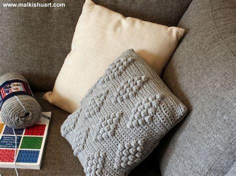 t shirt yarn cushion pattern my new pillow made from super value yarn bernat
