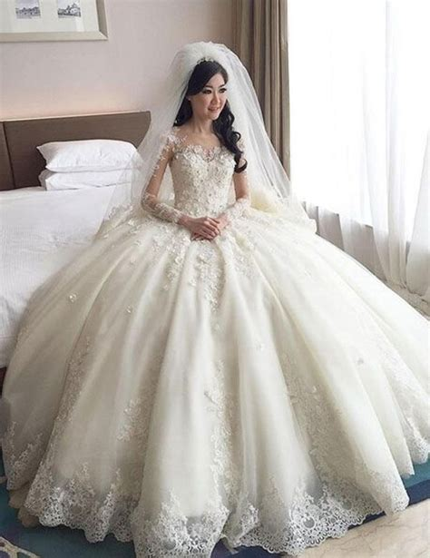 Where To Buy Wedding Gowns by Best 25 Gowns Ideas On Buy Gowns