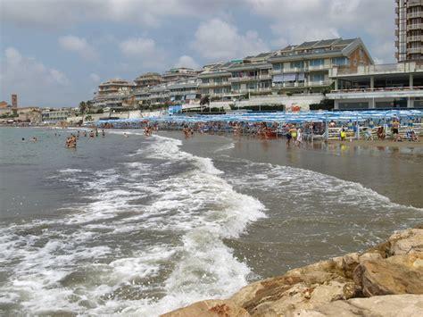 ufficio circondariale marittimo anzio guardia costiera quot il mare di anzio e nettuno in ottimo