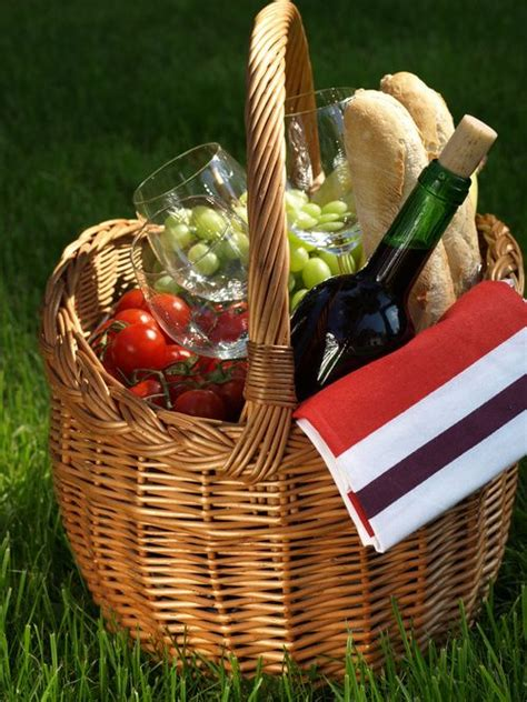 picnic basket ideas 282 best images about picnics for weddings and bridal showers on picnic weddings