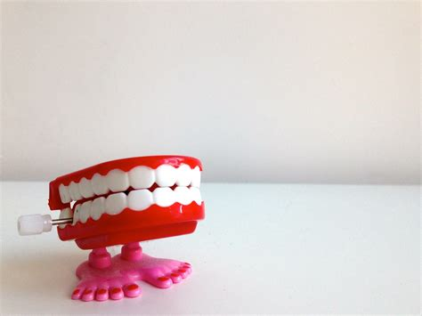jaw chattering toys inspired by teeth 1dental