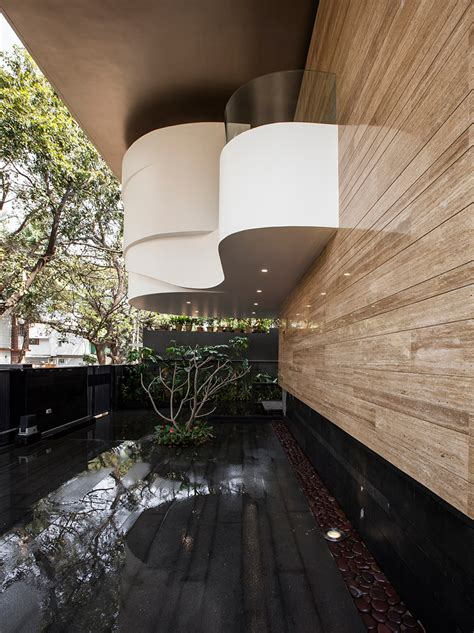 house  cadence architects   private courtyard
