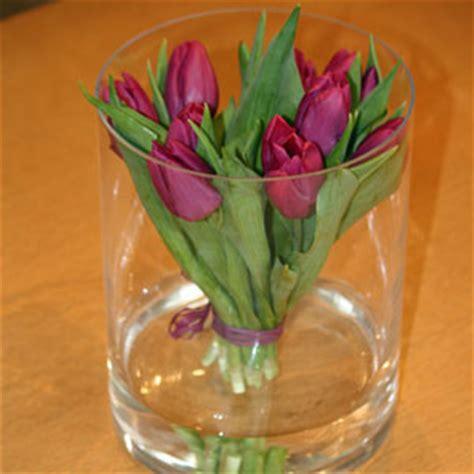 tulpen im glas fr 252 hlingsdeko tipps und ideen f 252 r trendy fr 252 hlingsdeko