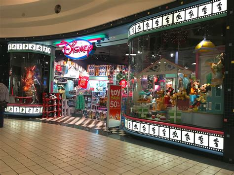 layout of brandon mall the o g of disney stores in cindy s shoes