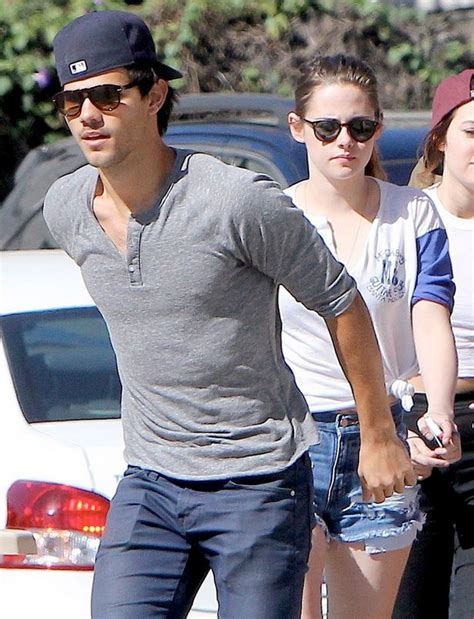 taylor lautner haircut instructions kristen stewart and twilight s taylor lautner go on a