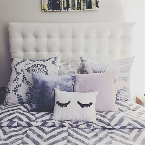 white bed pillows 1000 ideas about pillow headboard on pinterest