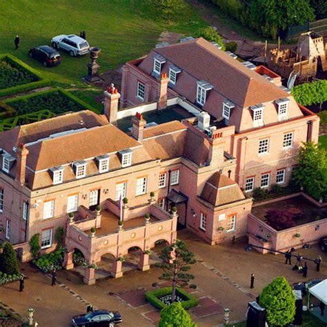 Posh And Becks To Buy Madges La Pad by Beckhams Buy New 163 40 Million Home