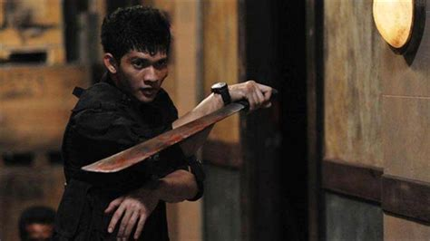 video film iko uwais the raid star iko uwais to suffer a headshot dread central