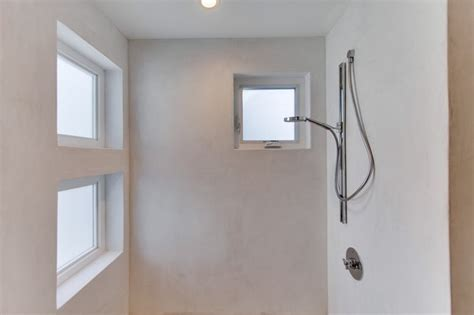 shower plaster in bathroom